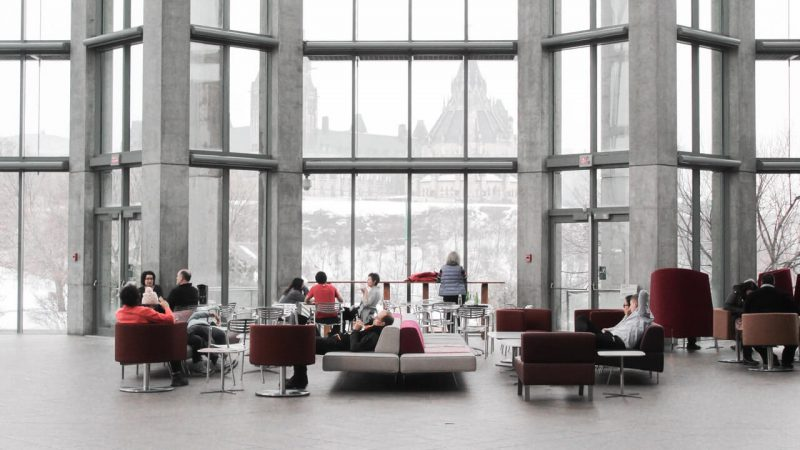 Kanapa biurowa – obowiązkowy element każdej poczekalni